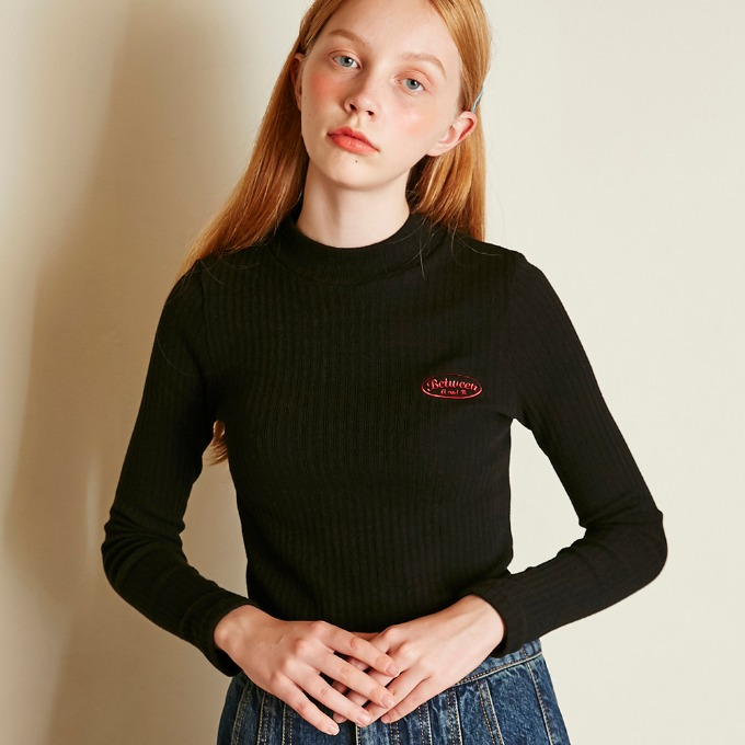SMALL LOGO KNIT TOP [BLACK]